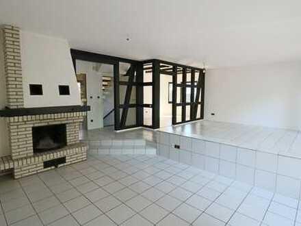 Zweifamilienhausseite - das gesamte Haus steht zum Verkauf