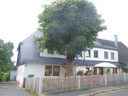 Ein-/Zweifamilienhaus in Schönwald