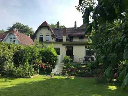 Historische Villa im Landhausstil in bester Lage