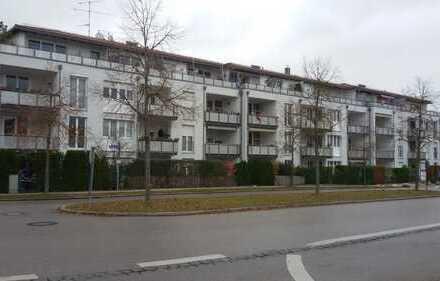 Exklusive, vollständig renovierte 2-Zimmer-Wohnung mit Balkon und Einbauküche in Neubiberg