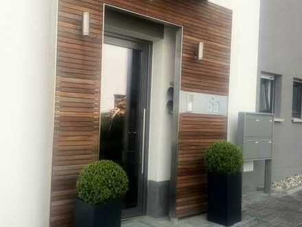 Gepflegte 3-Raum-EG-Wohnung mit Balkon und Einbauküche in Johannesberg