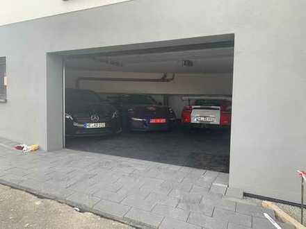 Nürburgring Tiefgarage, Garage for rent, bis zu drei Rennfahrzeuge,