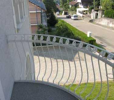 Helle Altbau 3-Zimmer-Wohnung in Brombach