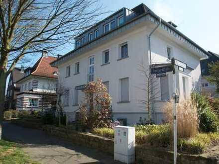 Wohnung in modernisierter Gartenstadt-Villa