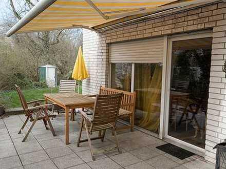 Super Lage und eigener Garten mit Terrasse