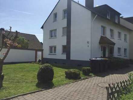 Schöne vier Zimmer Wohnung in Iserlohn Rheinen Renoviert - Incl. Einbauküche