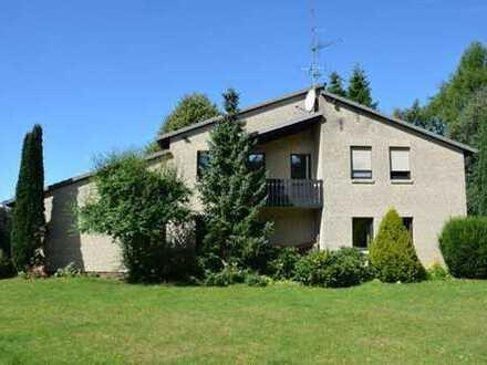 Vossberg: Sehr großzügiges Einfamilienhaus mit Einliegerwohnung, Garagen und Vollkeller, ideal au...