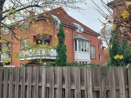 -Ohne Makler- stilvolle, renovierte 2-Zimmer-Wohnung mit Balkon und EBK in Oldenburg (Oldenburg)