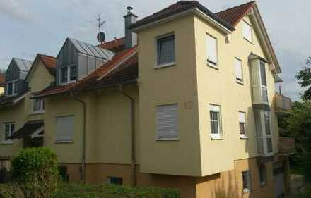 Gepflegte 3-Zimmer-Hochparterre-Wohnung mit Balkon in Langenbrettach