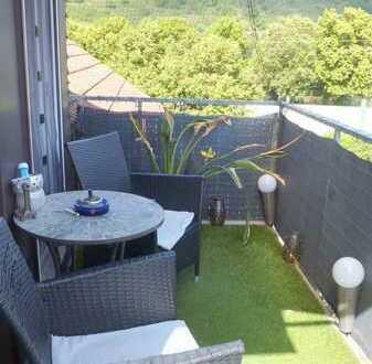 Wohlfühlen in heller, großzügiger 4 Z Dachwohnung mit Balkon