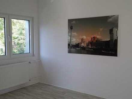 Schickes Büro im Düsseldorfer Norden | 3 Zimmer