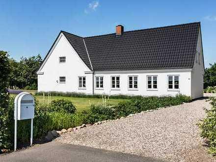 Wunderschön gepflegtes Anwesen mit 11.99 ha Ackerland......