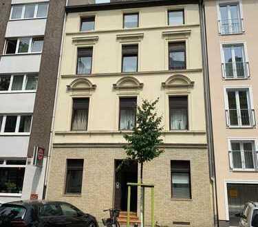 Altbau mit Charme und Ausbaupotential in Szene-Viertel