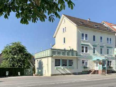 Kaffeehaus und Hotel Garni *Prinz Carl* Wohnhaus mit Mischnutzung, Terrasse und drei Wohnungen