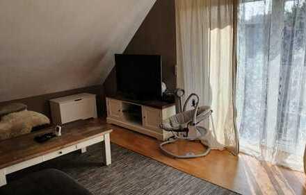 Preiswerte 3-Zimmer-Dachgeschosswohnung mit Balkon in Mammelzen