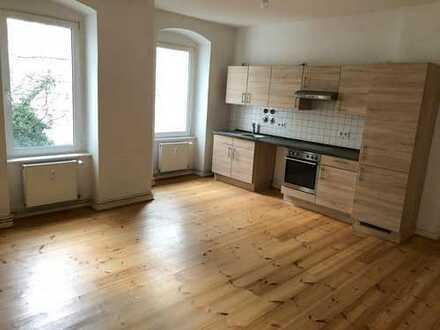 Bezugsfrei- 2 ZIMMER Wohnung - Friedrichshain- Direkte Spreelage