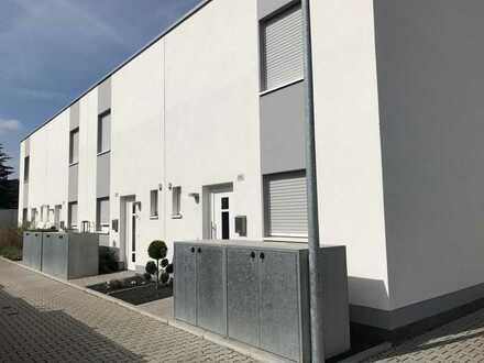 Modernes Reihenmittelhaus Terrasse in super Lage