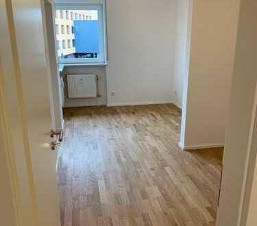 Neu renovierte 2 Zimmer Wohnug - zentrale Lage