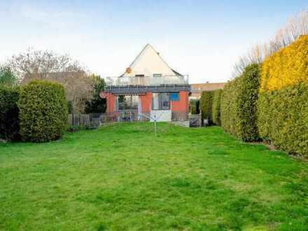 Gepflegtes Zweifamilienhaus mit großem Garten