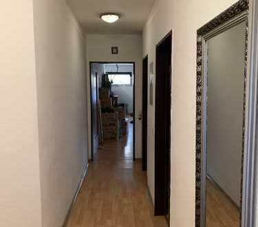 Freundliche 2-Zimmer-EG-Wohnung mit Balkon und Einbauküche in Bonn