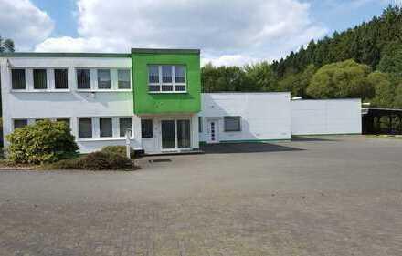 1000 m² Hallen inkl. Büroflächen zwischen Siegen (5 km) und A45 Zufahrt Feudenberg (5 km) MIETOBJEKT