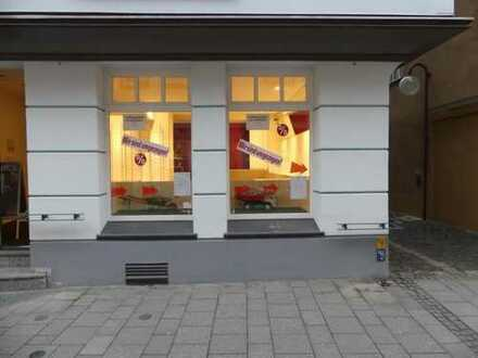 Hübscher Laden mit Zusatzfläche direkt in der Fußgängerzone von Esslingen!