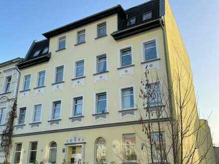 Top!! Schöne 2R. Wohnung mit Einbauküche ab 01.09.2021