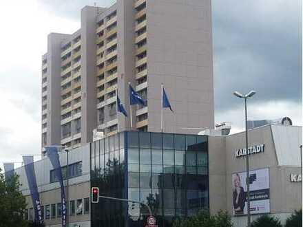 Sanierte 4,5 -Zimmer-Wohnung mit Balkon und EBK in Leonberg --- Leo-Center