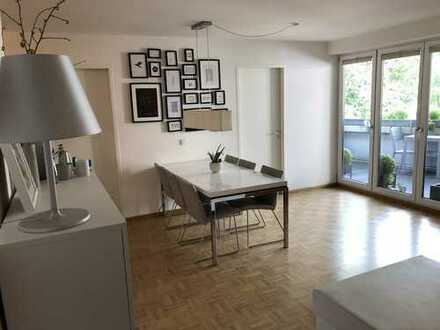 Neuwertige 3-Zimmer-Wohnung mit Balkon und Einbauküche nähe BMW, Olympiapark