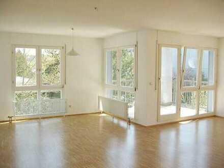 Lichtdurchflutete 3-Zimmer-Wohnung mit Loggien