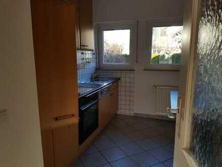 Wohnen auf Zeit (1,5 J): Moderne 2,5 -Zi. Wohnung mit Balkon in sehr guter Lage von Stgt.-Sillenbuch