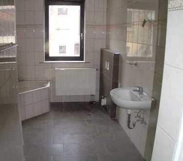 Crimmitschau-Zentrum, 3-Zimmer-Whg. im Villenstil, Echtholzparkett