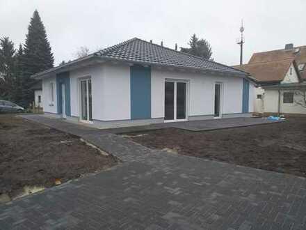 885.0 € - 93.0 m² - 3.0 Zi.