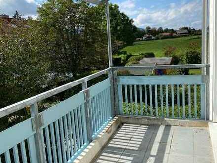 Helle, vollständig renovierte 3-Zimmer-Wohnung mit Süd-Balkon und Bergblick in Murnau am Staffelsee