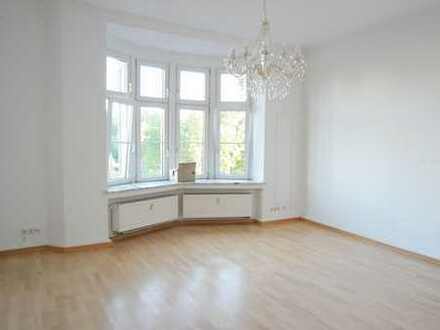 Komfortwohnung im saniertem Jugendstilhaus mit Dachterrasse am Dortmunder Stadtgarten/City!