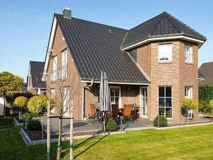 Neuwertiges, sehr hochwertig gebautes Einfamilienhaus