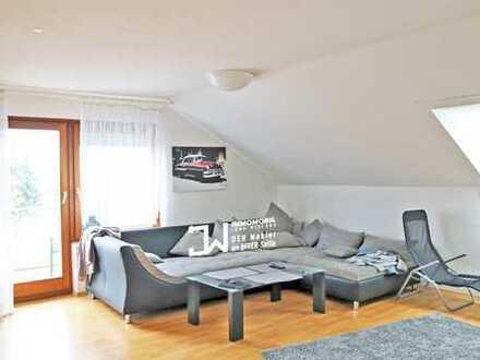 Wohnen auf der Sonnenseite des Lebens: Südbalkon, riesiger Wohn-/Essbereich, 3 Zi.-DG-Whg., ca. 76 m