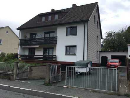 Preiswerte, modernisierte 3-Zimmer-Wohnung mit Balkon in Münchberg