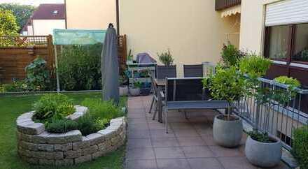 Gepflegtes Reiheneckhaus mit Garten und 2 Garagen