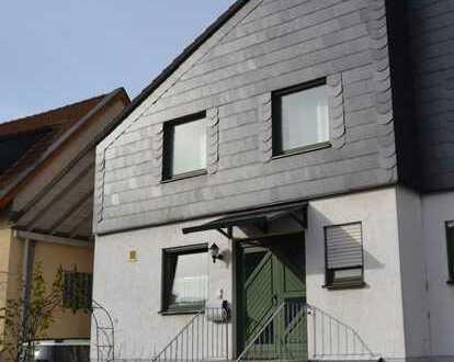 Schöne Doppelhaushälfte mit ELW in Johannisberg zu vermieten