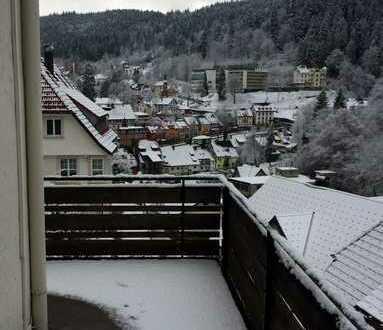 Schöne, ruhige 3-Zimmer-Wohnung mit Balkon und EBK in Aussichtslage in Triberg im Schwarzwald