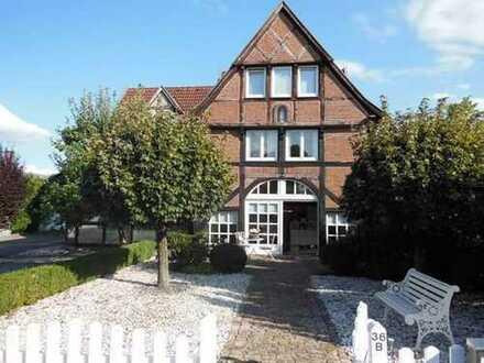 Vollständig renovierte 2-Zimmer-DG-Wohnung mit Einbauküche in Münster