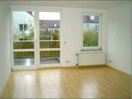 Schöne 2-Zimmer-Wohnung mit Balkon und EBK in Stahnsdorf