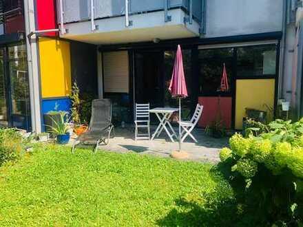 Stilvolle, gepflegte 2-Zimmer-Wohnung mit Gartenanteil