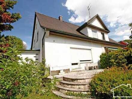 Stark sanierungs-/ renovierungsbedürftige Doppelhaushälfte in Beilngries