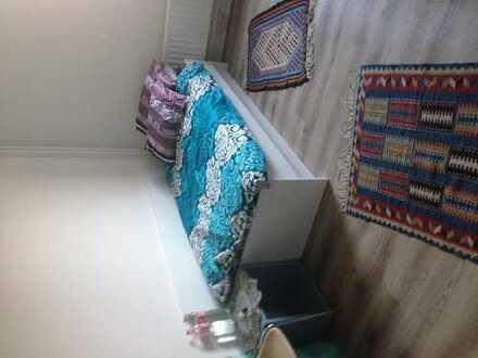 Schönes Zimmer bei Studenten-WG