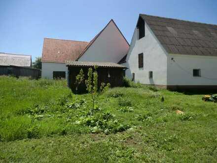 ca. 2000 m² für Wohnungsbau,Bestand 2-Fam.Haus+EFH+gr.Scheuer Oberstotzingen