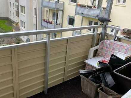 wunderschöne und helle 2 Zimmer-Wohnung mit Balkon sucht neuen Eigentümer!!!!!