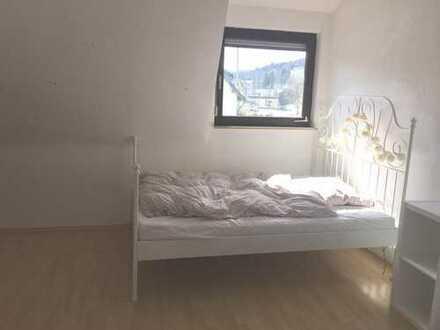 Zimmer in 3er WG in Ravensburg 370.- warm möbliert DG