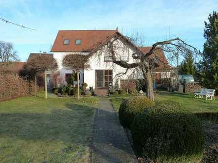 Schönes Haus mit sieben Zimmern in Ichenhausen Kreis Günzburg
